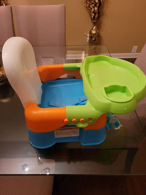 Safety 1st Sit, Snack & Go Feeding Booster Seat for Sale in Powdersville, SC