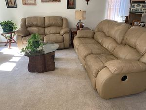 Recliner couch and love seat sofa set for Sale in Cotati, CA