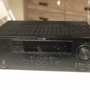 Yamaha RX-V465 HDMI Natural Sound Receiver Amplifier Tuner Stereo Surround Sound for Sale in Garden Grove, CA