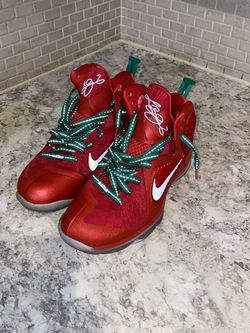 Christmas Lebron 9s for Sale in Charlotte,  NC