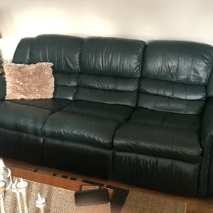 La-Z-Boy Green Leather Couch for Sale in Ravenna, OH