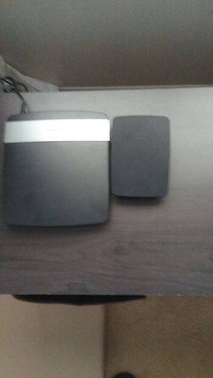Linksys Router And Wifi Extender for Sale in Fairlawn, OH