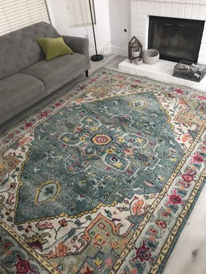 Large area rug, new lightly used. Multiple colored, no defects for Sale in Corona, CA