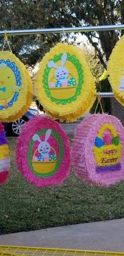 Piñatas Disponible De Huevos for Sale in Houston,  TX