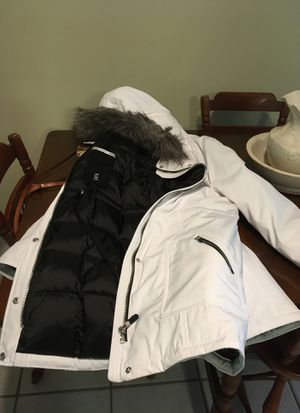 Parka Calvin Klein ladies size large never worn for Sale in Plant City, FL