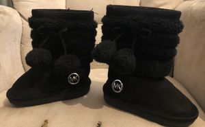 Girls Michael kors boots size 5c for Sale in York, PA