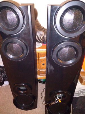 LG (1000 watts) speakers PLUS bluetooth dvd player for Sale in Lebanon, PA