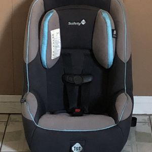 SAFETY 1ST CONVERTIBLE CAR SEAT for Sale in Jurupa Valley, CA
