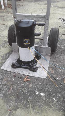 2 1/2 ton ac compressor r22 freon for Sale in Miami Gardens,  FL