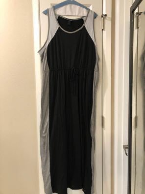 Maxi Dress ( women's 1x but works for xl-2x ) Great for casual or dress it up with a jacket for Sale in Federal Way, WA