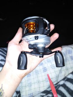 Pflueger Monarch Low Profile Closed Faced Bait Caster for Sale in Indianapolis,  IN