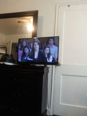 32in flat screen tv for Sale in Washington, DC
