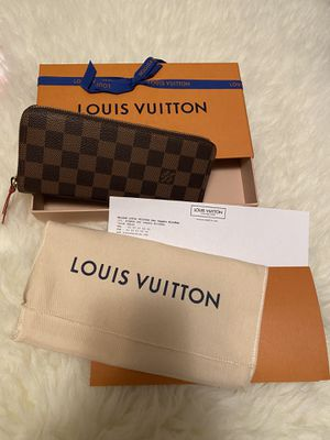 Authentic Louis Vuitton Clemence Wallet for Sale in Fullerton, CA