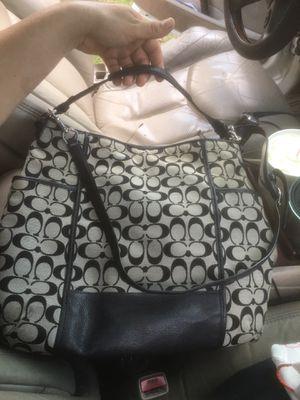 Coach purse for Sale in Bevil Oaks, TX