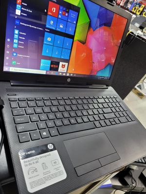 """HP Laptop 15.6"""" Like New 4GB 1TB for Sale in Houston, TX"""