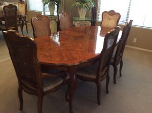 Drexel Heritage Dining Room Table with 6 Chairs & Wine Server for Sale in Chandler, AZ