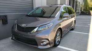 2015 Toyota Sienna SE Very clean! for Sale in Portland, OR