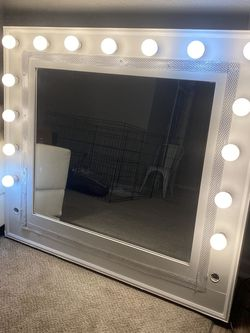 Vanity Mirror for Sale in Smyrna, TN