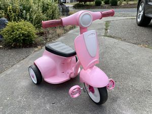 Radio Flyer Tricycle/ kids bike for Sale in Puyallup, WA