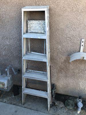 5 ft. Metal Ladder for Sale in Visalia, CA