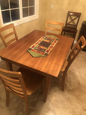 Dining Set 5 pc wood for Sale in Torrance, CA