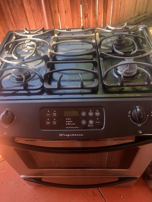 Frigidaire Stove for Sale in Fontana, CA
