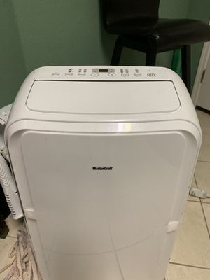 Master Craft Portable AC and heater 12000 BTU lightly used for sale in excellent condition for Sale in Poinciana, FL