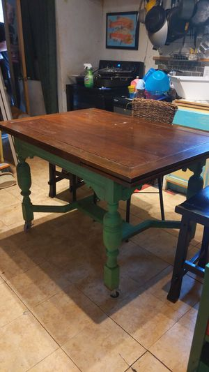 Dining table for Sale in Mill Creek, WA