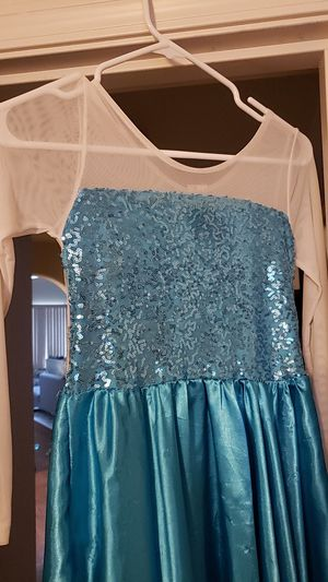 Elsa halloween costume. Will fit seven to eight years old. Maybe a smaller nine year old. Free to a good home. Good for halloween for Sale in Olympia, WA