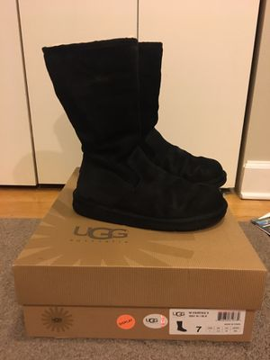 UGG Woman winter boots, Size 7, Black leather for Sale in Chicago, IL