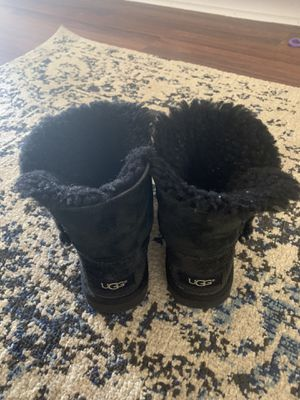 UGG Kids boots size 10 Toddlers black for Sale in San Diego, CA