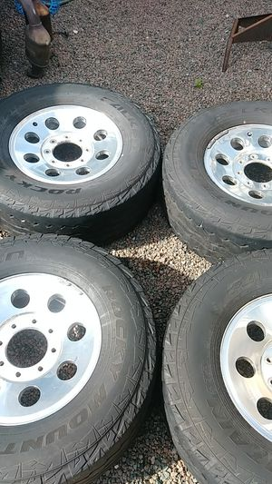 Ford 250 tires for Sale in Tampa, FL