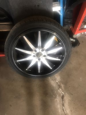 Helo Rims 20s for Trade for Infiniti or Nissan rims or All black rims. Want to get rid of them before winter 5x114.3 for Sale in Chicago, IL