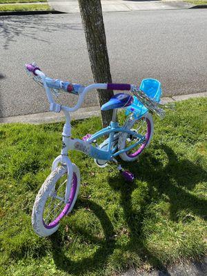 Girls bike with training wheels for Sale in Arlington, WA