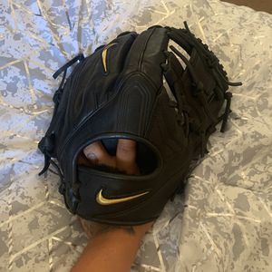 Nike Baseball Glove for Sale in Broomfield, CO
