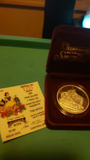 1987 Disneys Snow Whites 'WITCH' 1oz Silver Round! Comes w COA and Box! Asking $35 OBO for Sale in Lewistown, PA