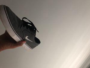 Nike SB grey sz 8.5 for Sale in Fairfax, VA