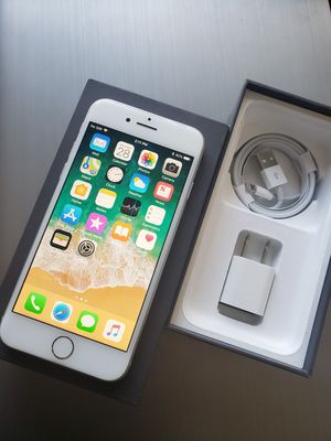 iPhone 8, 64GB, Factory UNLOCKE, Excellent Condition for Sale in Springfield, VA