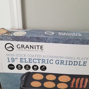 WAS $80!! ASKING ONLY $35!! BRAND NEW FACTORY SEALED LARGE SIZE ELECTRIC NON STICK GRIDDLE AND SANDWICH MAKER PERFECT HOLIDAY GIFT !! for Sale in Providence, RI