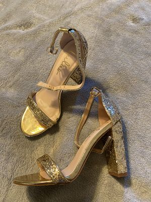 Lulus gold heels for Sale in Fayetteville, NC
