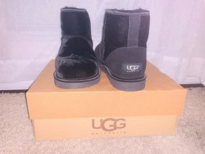 New black ankle Uggs women's size 7 for Sale in Long Beach, CA
