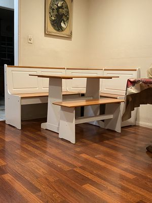 Comedor mesa de esquina esquinero cocina corner space saving Nook breakfast table set dinning room dinning set table chairs storage bench white wood for Sale in West Covina, CA