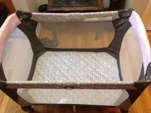 Graco folding Play pen for Sale in Queens, NY
