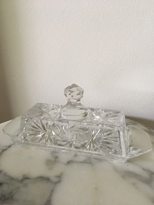 """Vintage Crystal Glass 8"""" Butter Dish w Lid, In great condition for Sale in Hobe Sound, FL"""