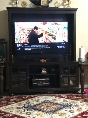 50 inch TV smart roku and TV stand for Sale in Columbus, OH