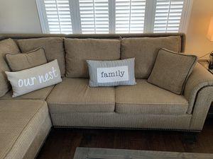 Sectional sofa for Sale in Huntington Beach, CA