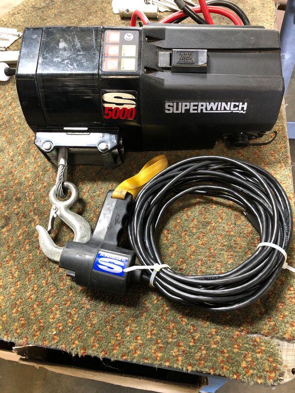 Winch S5000 Super winch with remote.