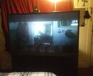 MITSUBISHI,60''SCREEN TV,In great condition,needs universual remot..but it turn on,no scratches on screen ...great for man cave..must pick up.... for Sale in San Antonio, TX