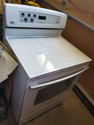 LG white glass top stove oven for Sale in Colorado Springs, CO