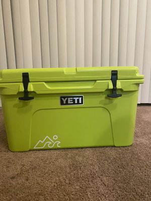 Never been used 45 YETI Cooler. No scratches or marks. Sad to let this go but need the money :( for Sale in San Antonio, TX